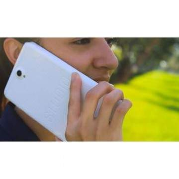 BLU Hadirkan Phablet Android Fitur 4G LTE, BLU Studio 7.0 LTE