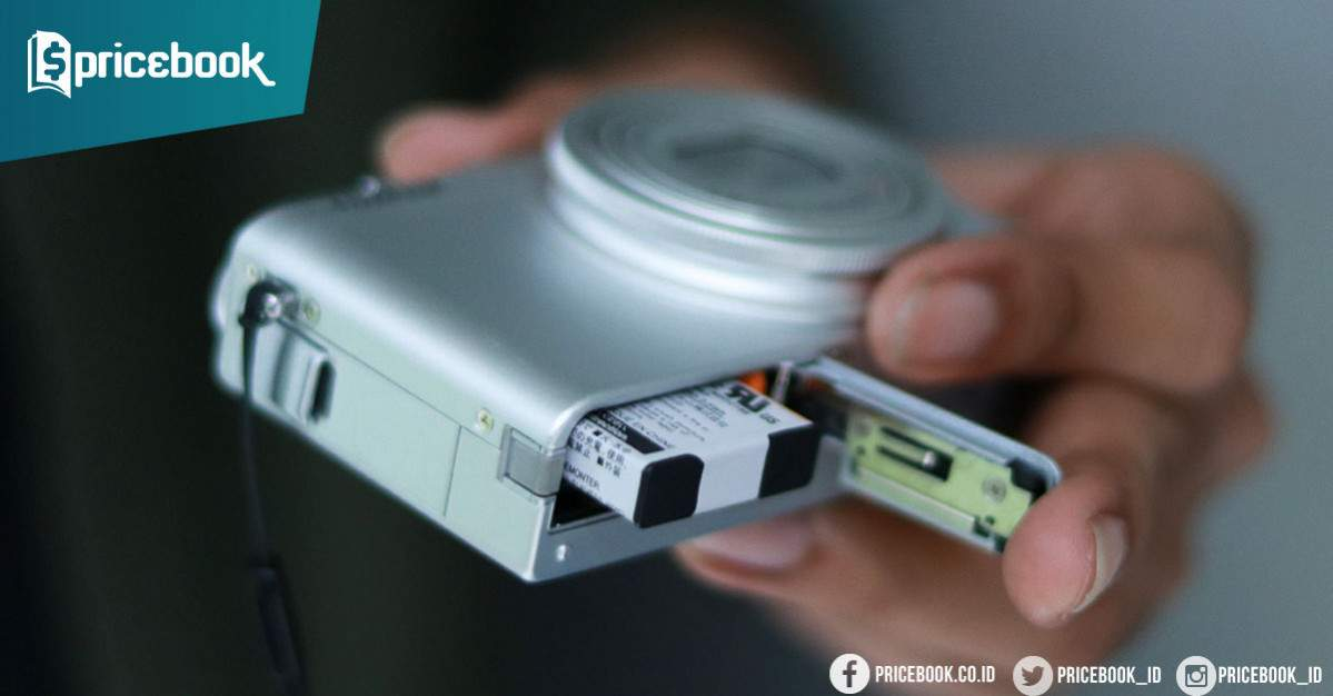cabut baterai kamera