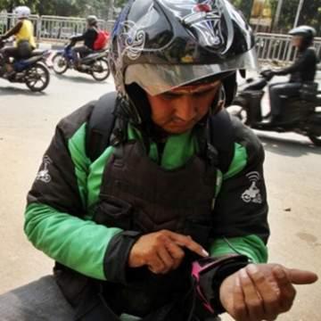 Aksesoris Hp Buat Driver Ojol, Biar Makin Gacor