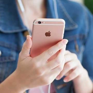 Survei Terbaru Sebut iPhone Jadi Smartphone Populer Para Remaja Dunia