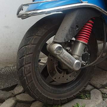 Cara Merawat Ban Motor Biar Gak Cepet Botak