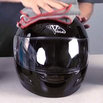 Helm Bau Apek? Bikin Wangi Pake Ini