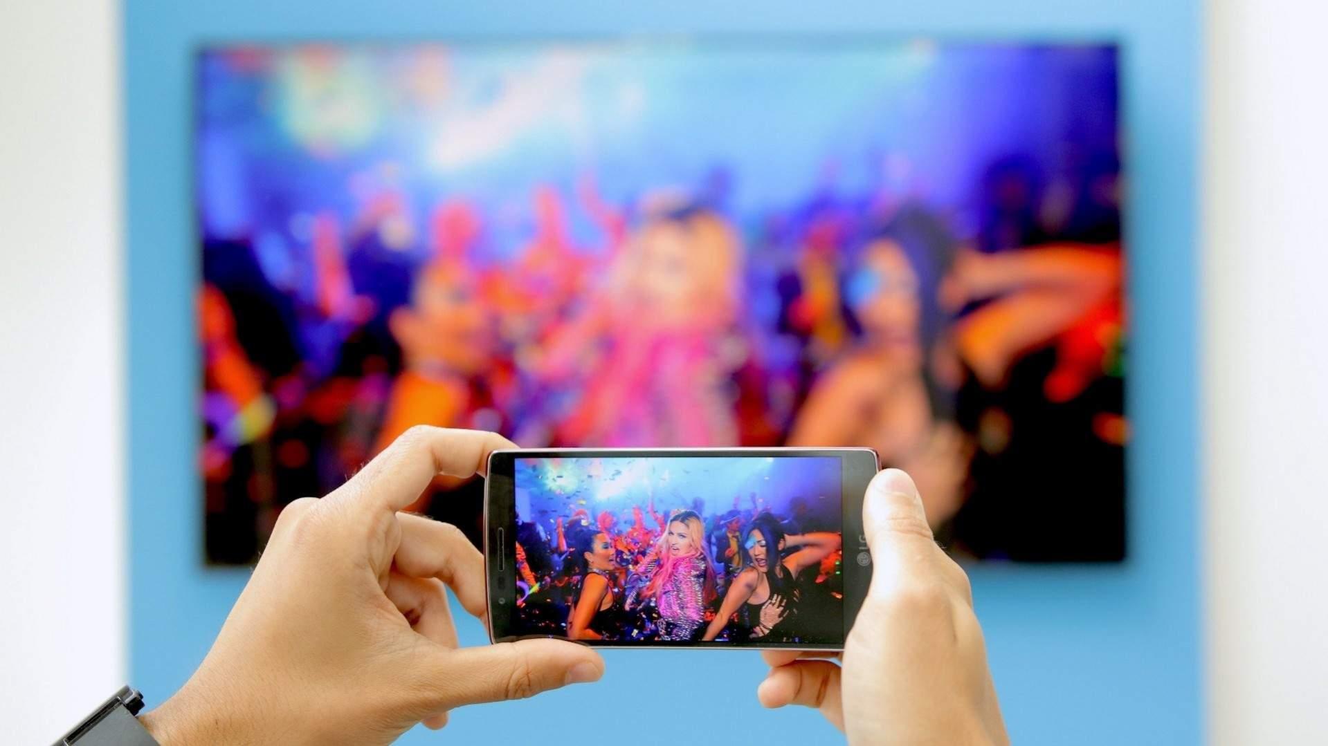 3 Ciri Utama Smartphone Bisa Tersambung Ke Tv Cek Hp Kamu Sekarang Pricebook