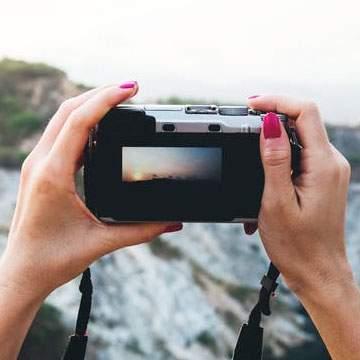 Tips Memilih Kamera Mirrorless Berdasarkan Harga, Sensor dan Lensa