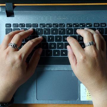 4 Cara Memperbaiki Keyboard Laptop yang Rusak