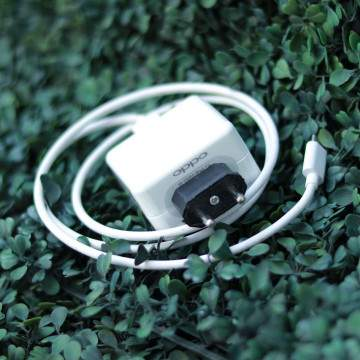 Review VOOC Flash Charge, Buat Charging Hp OPPO Jadi Super Duper Cepat