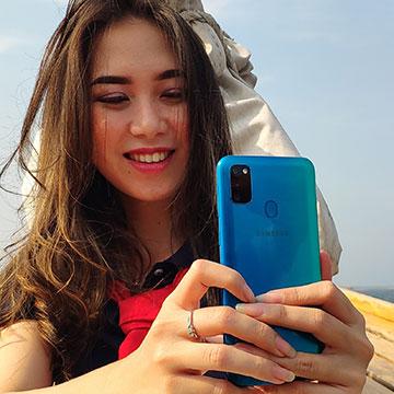 11 Hp Samsung RAM 3 GB Harga Murah, 4 Kamera Terbaru di 2021