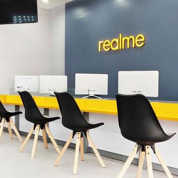 Service CenterRealme Pertama di Dunia Ada di Roxy