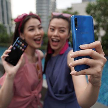 4 Hp Samsung Terbaru 2019 dengan RAM dan Baterai Besar