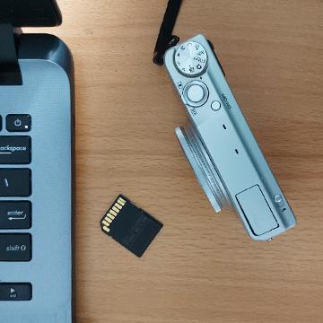 Cara Memindahkan Foto dari Kamera ke Hp dan Laptop