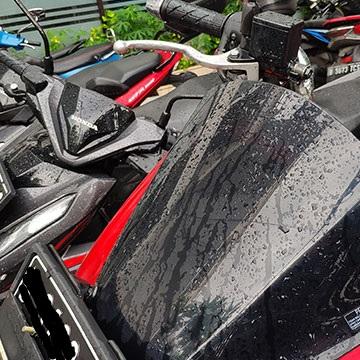 Cara Merawat Motor Matic Selama Musim Hujan dan Banjir