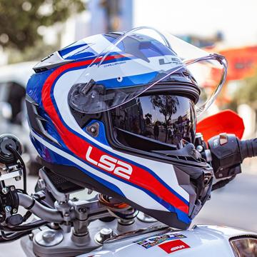 Helm Fullface Termahal di Dunia, Dapet 2 Motor Matic