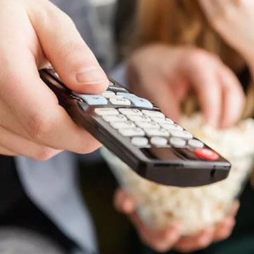 10 Aplikasi Remote TV di Ponsel Android untuk Semua Merk