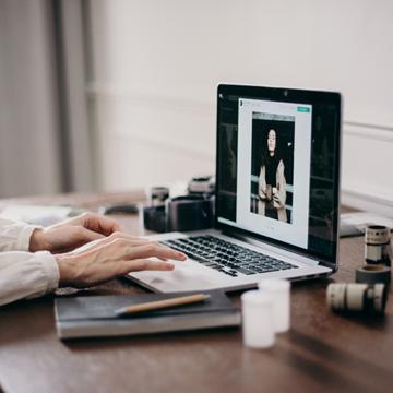 12 Situs dan Aplikasi Kerja Freelance Terbaik, Gaji US Dollar!