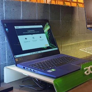 8 Laptop yang Baterainya Awet dan Tahan Lama di 2020