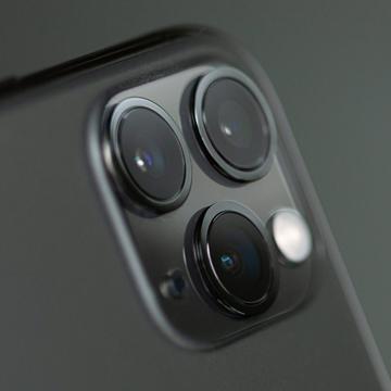 Daftar Smartphone Tiga Kamera Termurah dan Terbaik di Blibli