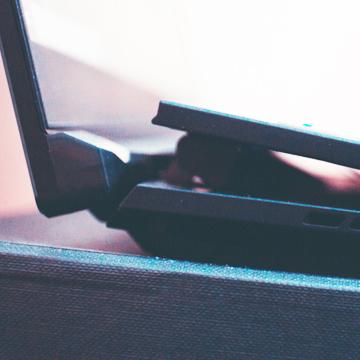 Laptop Gaming ASUS ini Punya Keyboard yang Bisa Terangkat