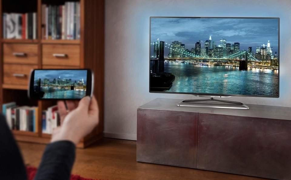 Cara Menghubungkan Hape Android ke TV dengan atau Tanpa Kabel