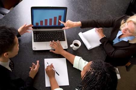 Tiga Laptop Terbaik untuk Menemani Perjalanan Bisnis Anda