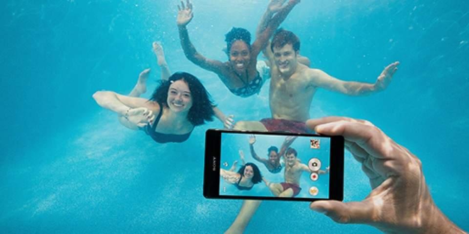 Xperia Tahan Air Tapi Sony Larang untuk Dibawa Berendam