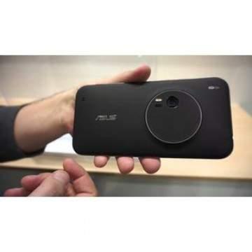 Asus Zenfone Zoom Akan Segera Dirilis dengan Kamera 3x Optical Zoom