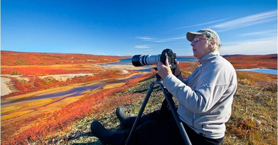10 Cara Terbaik Pasang Kamera ke Tripod  Agar Tak Merusak Kamera