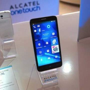 OneTouch Fierce XL, Smartphone Alcatel Pertama dengan Windows 10