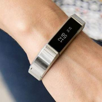 Fitbit Alta Hadirkan Activity Tracker Berdesain Stylish