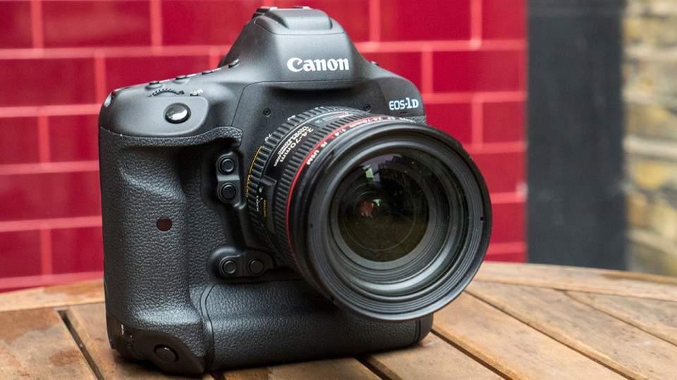 Canon EOS 1D X Mark II Dirilis dengan Fitur Rekam Video 4K