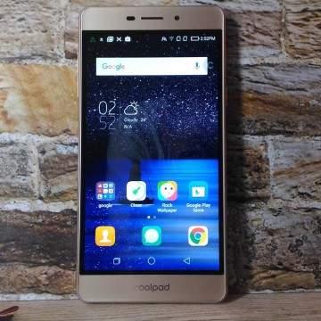 Review Coolpad E502 SKY 3: Hape Selfie dan Groufie yang Tipis Nan Modis