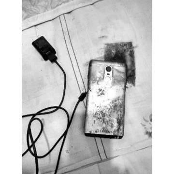 Hape Xiaomi Terbakar, Benarkah Xiaomi Suap Penggunanya Agar Diam?