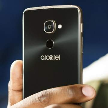 Hape Windows 10 Alcatel Idol 4 Pro Unjuk Gigi di WMC 2017 Bawa Snapdragon 820