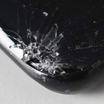Tes Jatuh Samsung Galaxy S8 Buktikan Sudut Layar Ponsel Ringkih