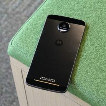 Kabarnya Moto Z Play Andalkan Desain Ramping dan Snapdragon 626