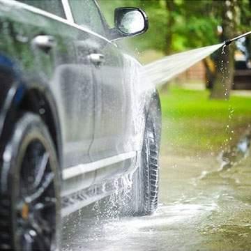 Cara Mencuci Mobil Sendiri Agar Tidak Gores