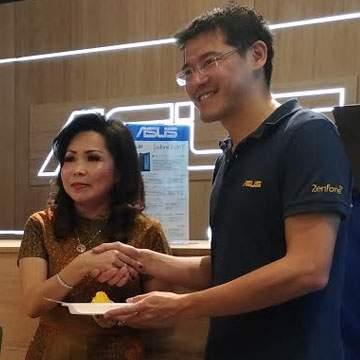 Asus Exclusive Store Diresmikan, Bisa Menjajal Hasil Foto Asus Zenfone Zoom S