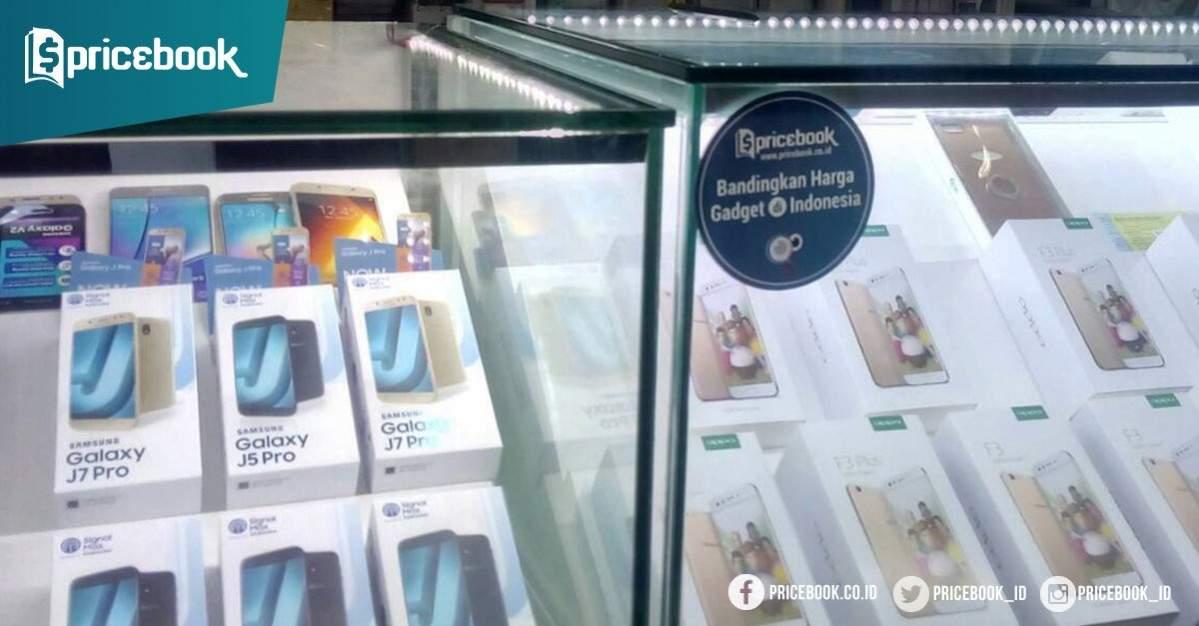 Hp Samsung masih banyak dicari pengunjung WTC Surabaya. Seperti toko ... 0fc0dc7d86