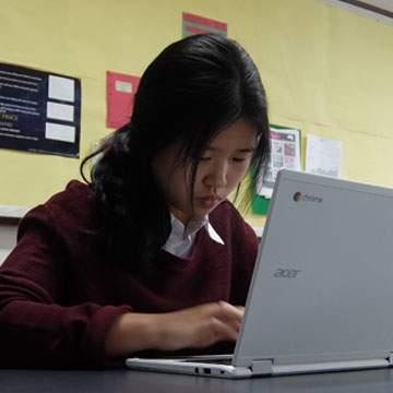Acer Chromebook Jadi Solusi Digital Classroom di IICS