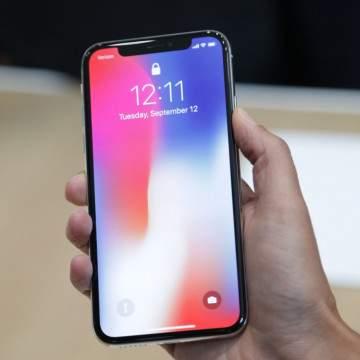 Apple Gunakan Layar Lipat LG Untuk iPhone 2020