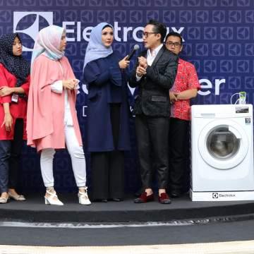 Mencuci Hijab dan Batik Kini Lebih Bersih dan Awet dengan UltraEco Washer