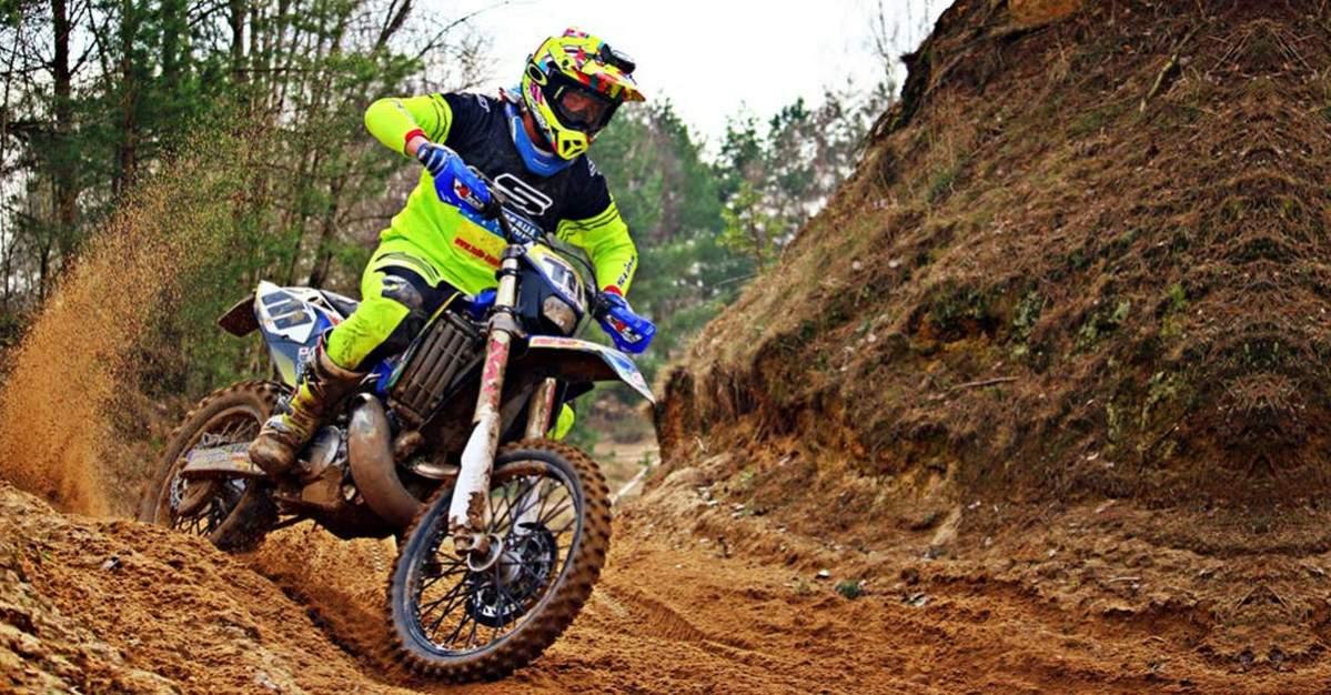 motor trail terbaik
