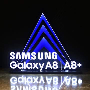 Samsung Galaxy A8 dan A8+ Sudah Dijual dengan Banyak Bonus