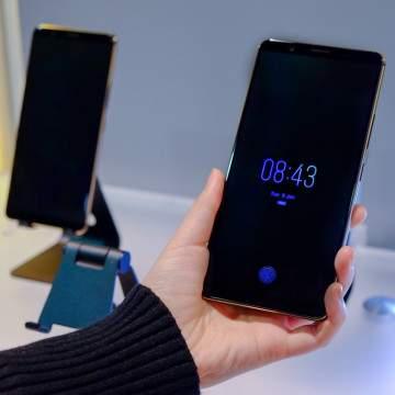 Vivo X20 Plus dengan Sensor Sidik Jari di Dalam Layar Diluncurkan Besok