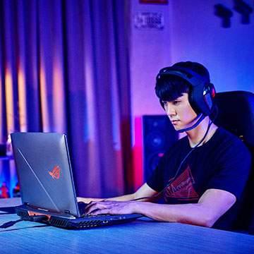 ASUS ROG G703, Laptop Gaming Berbanderol Rp60,3 Juta