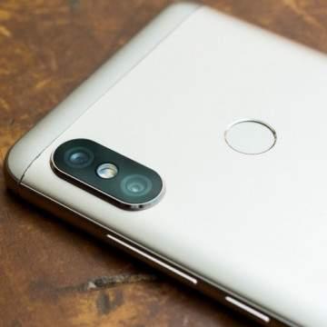 Vivo V9 vs Xiaomi Redmi 5, Duel Hp Murah dengan Layar Kekinian