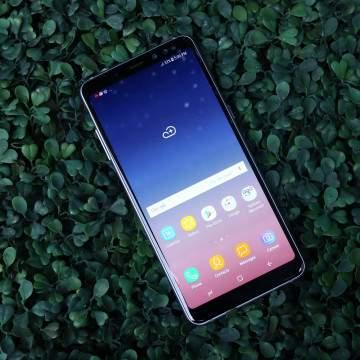 Review Samsung Galaxy A8+, Desain Modis dan Banyak Fitur Flagship
