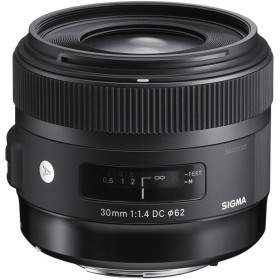 Sigma 30mm f / 1.4 DC HSM Art