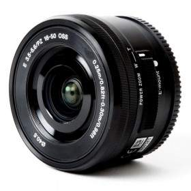 Sony 16-50mm f / 3.5-5.6 OSS