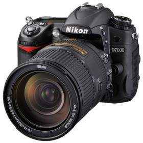 DSLR Nikon D7000 Kit 18-300mm
