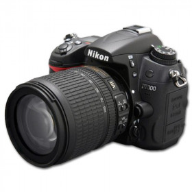 DSLR Nikon D7000 Kit 18-105mm